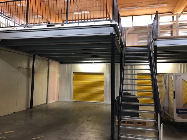 Entresolvloer en magazijntrap