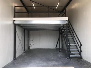 Verdiepingsvloer geplaatst in een selfstorage